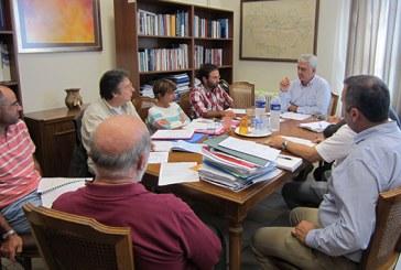 Σύσκεψη του περιφερειάρχη με υπηρεσιακούς παράγοντες για έργα της Άνδρου