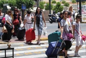 Σε ένα εκατομμύριο επιπλέον αφίξεις ελπίζει η Αθήνα για το 2014