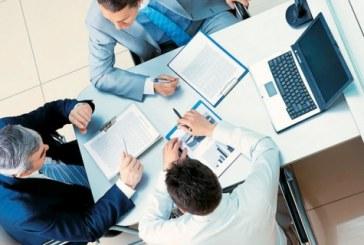 Για ποιους επιχειρηματίες θα μειώσει τη χαρτούρα ο Μητσοτάκης