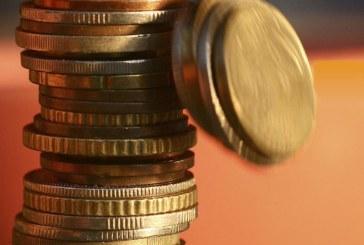 Γιατί αγοράζουν αλλά δεν επενδύουν στην Ελλάδα