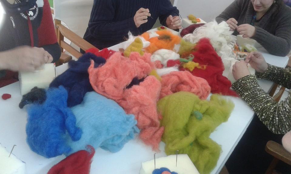 ΚΟΙΝΣΕΠ: Με επιτυχία ολοκληρώθηκε το 1ο Σεμινάριο Felting στο Κόρθι