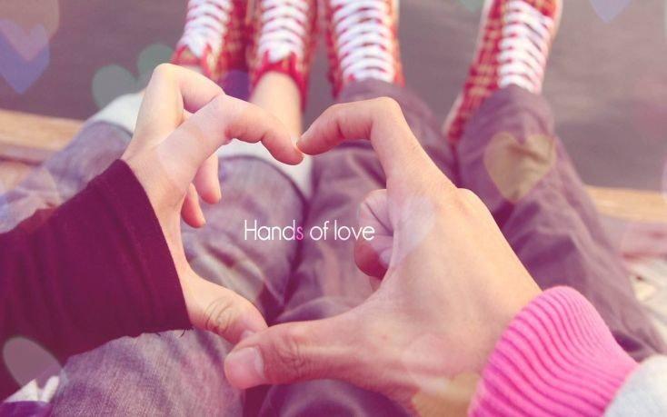Hands-of-love-couple-734x459