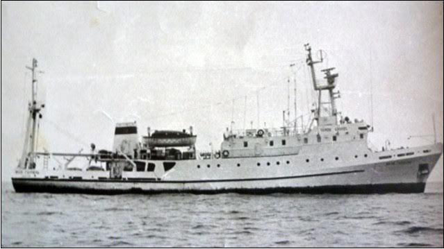 πλοιο-χρυση-αυγή-2
