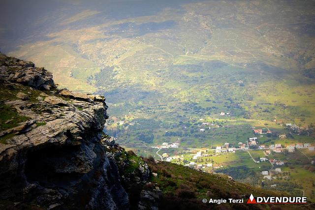 Καταπληκτική η θέα πλησιάζοντας την Ιερά Μονή Παναχράντου, αλλά και σε πολλά σημεία των διαδρομών της διοργάνωσης!