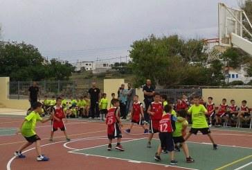 Η ομάδα της Τήνου Τ.Α.Κ. Περιστεριώνας ευχαριστεί τον Α.Ο. Άνδρου για το τουρνουά μπάσκετ στο Γαύριο
