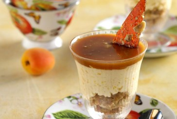 Γλυκός πειρασμός: Μους βερίκοκο με σάλτσα καραμέλας