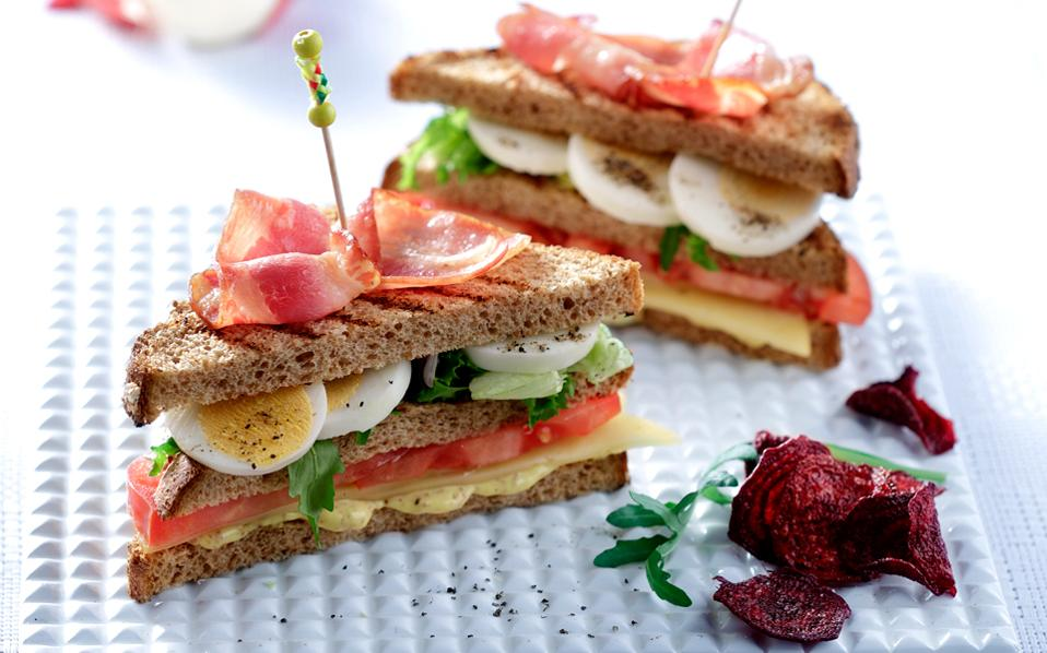 club-sandwitch-me-pasxalina-ayga-thumb-large