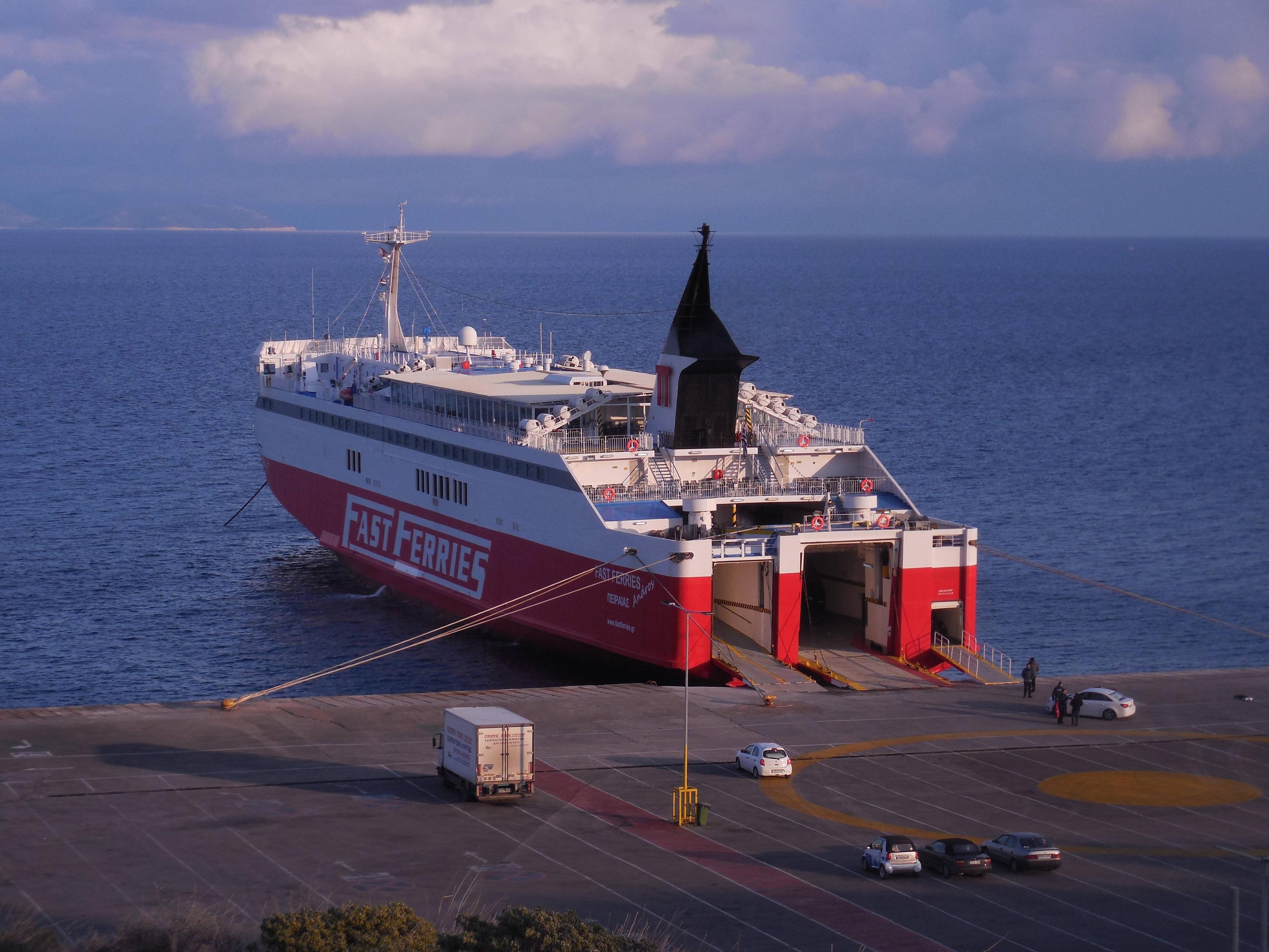 Τραυματισμός επιβάτιδος Ε/Γ-Ο/Γ πλοίου στην Άνδρο