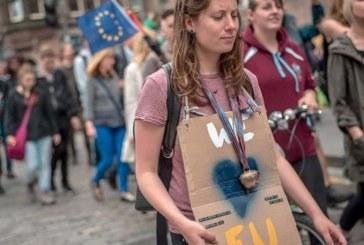 Νέα έρευνα: Οι Ευρωπαίοι θέλουν μία ανεξάρτητη Σκωτία στην ΕΕ