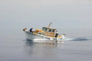 Ακυβερνητο σκάφος στη περιοχή της Παλαιοπολης
