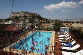 Υποχρεωτική η Καρτέλα Ενημέρωσης Πελατών σε τουριστικές μονάδες