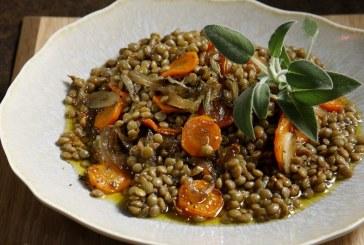 Σήμερα μαγειρεύουμε: Φακές με καρότα γιαχνί