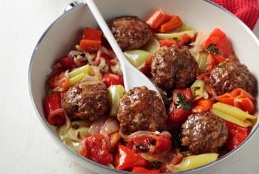 Σήμερα μαγειρεύουμε: Μπιφτέκια μαγειρευτά με πιπεριές