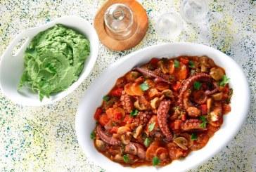 Σήμερα μαγειρεύουμε: Χταπόδι μαγειρευτό με μανιτάρια και πιπεριές