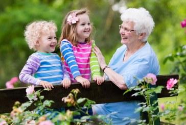 «Εργαλείο εντοπισμού» του αυτισμού οι… γιαγιάδες, σύμφωνα με έρευνα