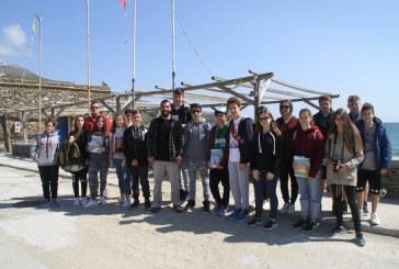 Life Ανδρος: Οι μαθητές του 54ου Γυμνασίου Χαλανδρίου ενημερώθηκαν για το περιβάλλον και τα προστατεύομενα είδη του νησιού