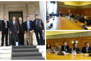 Παρούσα και η Άνδρος: Στο Υπουργείο Περιβάλλοντος εκπρόσωποι των νησιών για τα Αιολικά Πάρκα