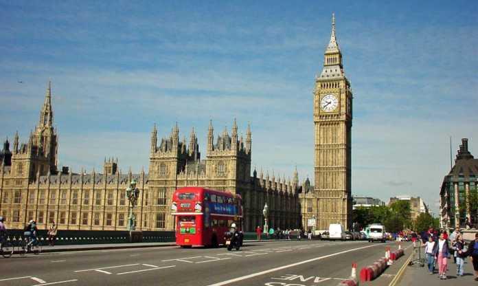 london-696x416