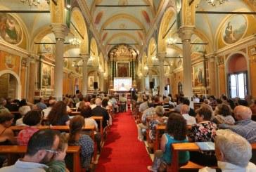 """Πλήθος κόσμου παρακολούθησε στη Σύρο την εκδήλωση της ΕΥΔ Νοτίου Αιγαίου,  στο  πλαίσιο της επικοινωνιακής καμπάνιας """"Europe In My Region""""."""