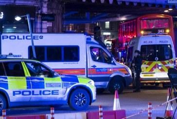 Διπλό τρομοκρατικό χτύπημα στο Λονδίνο: Εξι νεκροί, τουλάχιστον 48 τραυματίες, νεκροί και οι τρεις δράστες