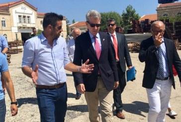 Επίσκεψη Πάιατ στο Νεώριο Σύρου με φόντο το επενδυτικό ενδιαφέρον