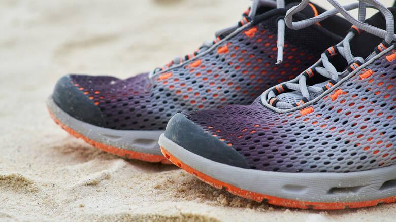 shoes-2076850_1920