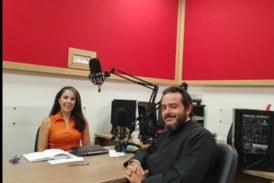 Ο Πατήρ Παναγιώτης Μανιδάκης μιλά για την Ανδρο  στον ραδιοφωνικό σταθμό της Πειραϊκής Εκκλησίας
