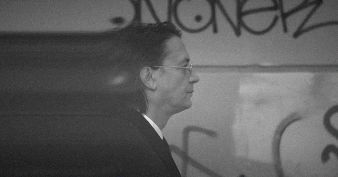 Γιάννης-Κότσιρας-Έρωτας-Ή-Τίποτα-Official-Video-Clip