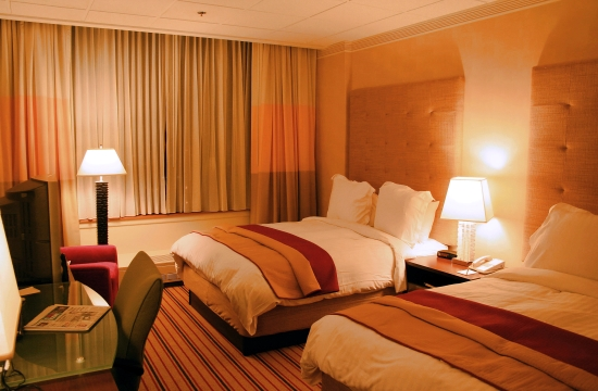 hotel_room_814135716