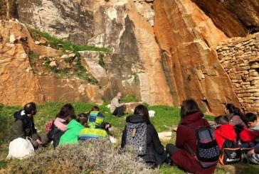 Tinos Guide & Seek: Ο πρώτος οδηγός από παιδιά για παιδιά