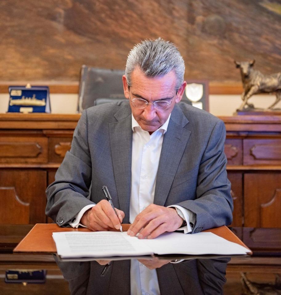 Προκηρύσσεται η προμήθεια και εγκατάσταση νέων μονάδων αφαλάτωσης Έξω Γιαλού Φηρών Σαντορίνης