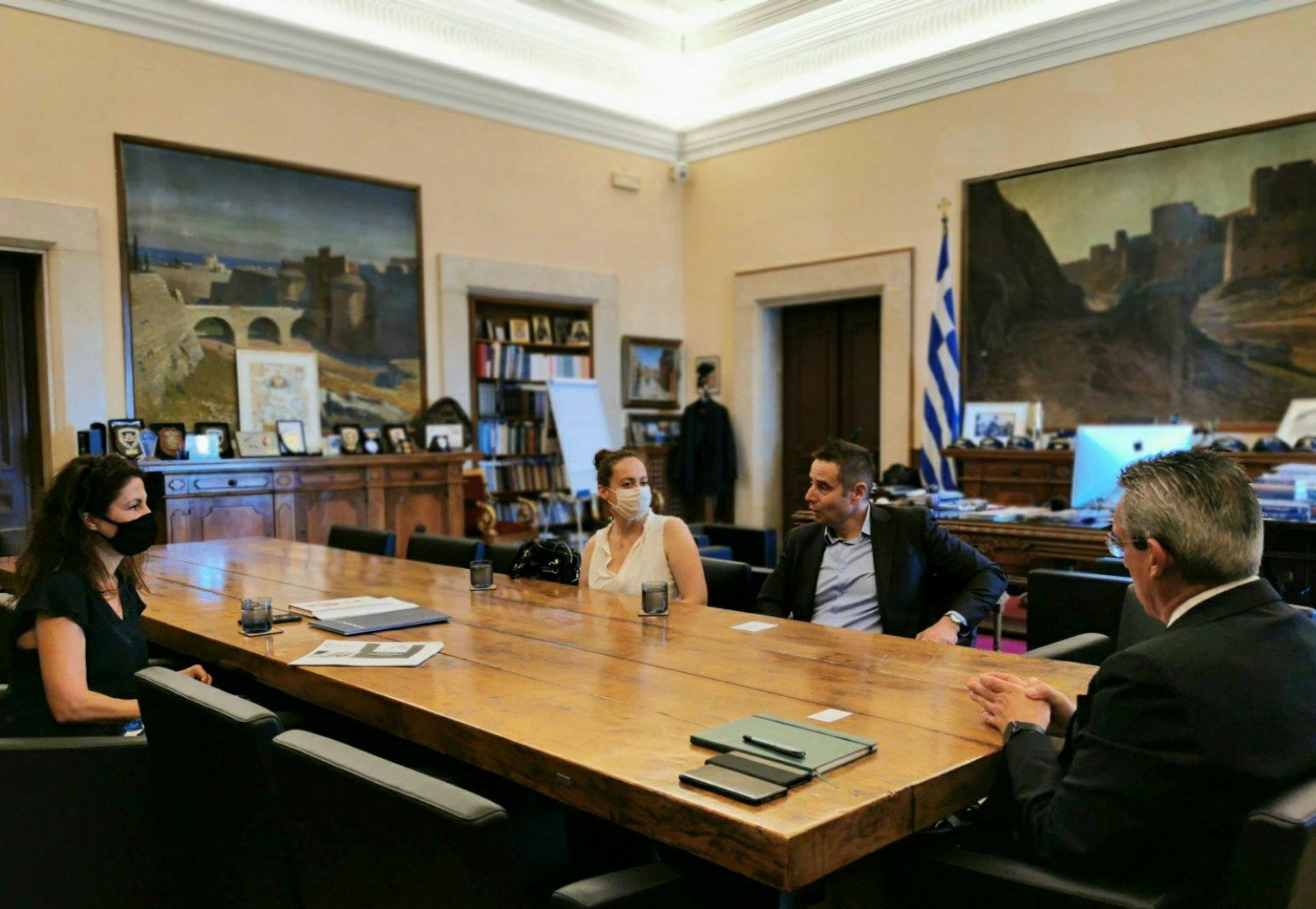 Γ. Χατζημάρκος: «Πιστοί στη δέσμευσή μας, επεξεργαζόμαστε τη συμφωνία που θα συνεχίσει να φέρνει την Τηλεϊατρική στο σπίτι κάθε νησιώτη, με πόρους της Περιφέρειας».