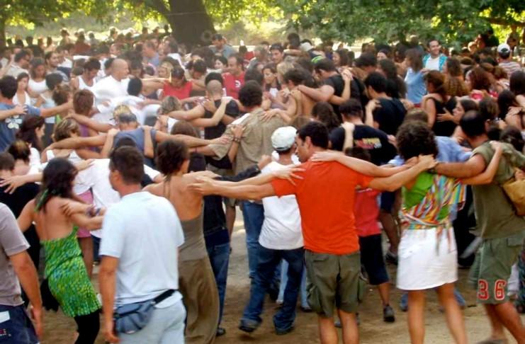 Κοροναϊός : Τρόμος για τα πανηγύρια – Τι λένε οι ειδικοί