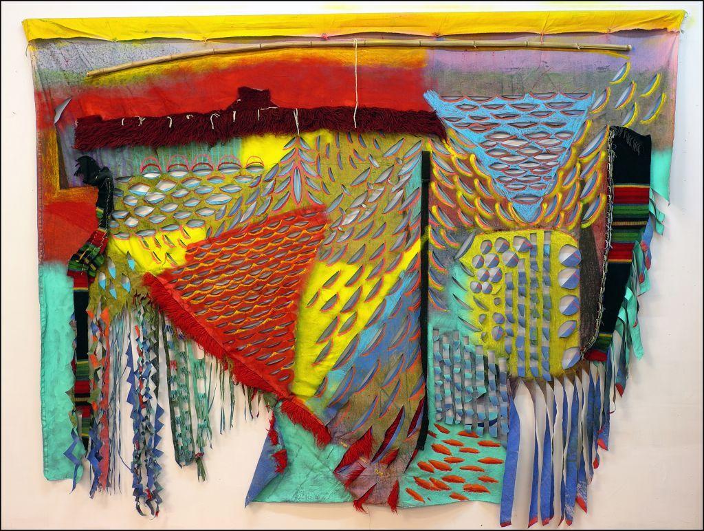 Από τον αγκώνα ως τον καρπό: Έκθεση της Μάρως Φασουλή στο Κέντρο Τεχνών