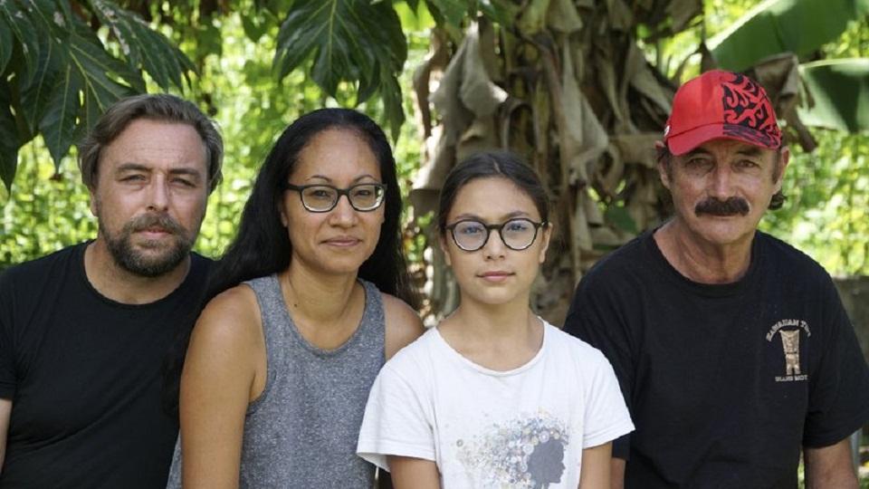 Εξι μήνες παγιδευμένοι 4.200 χλμ από την πατρίδα τους