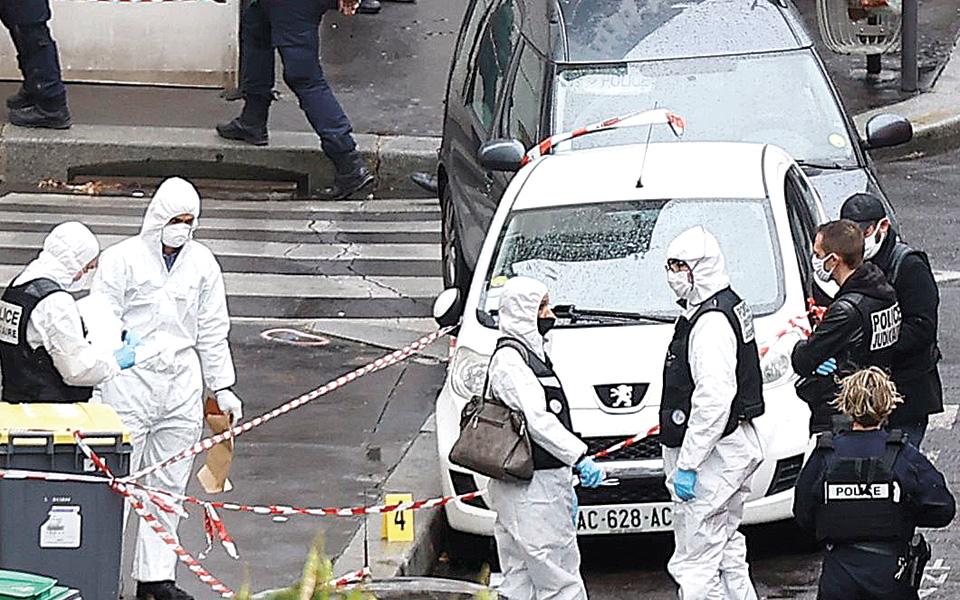 Μνήμες του 2015 μετά την επίθεση στο Παρίσι