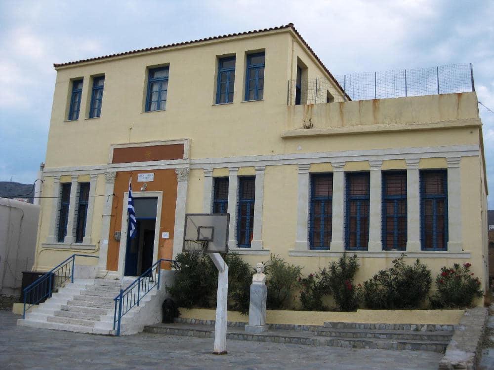 Χορηγία μέρους των μελετών για το Πολιτιστικό Κέντρο Γαυρίου