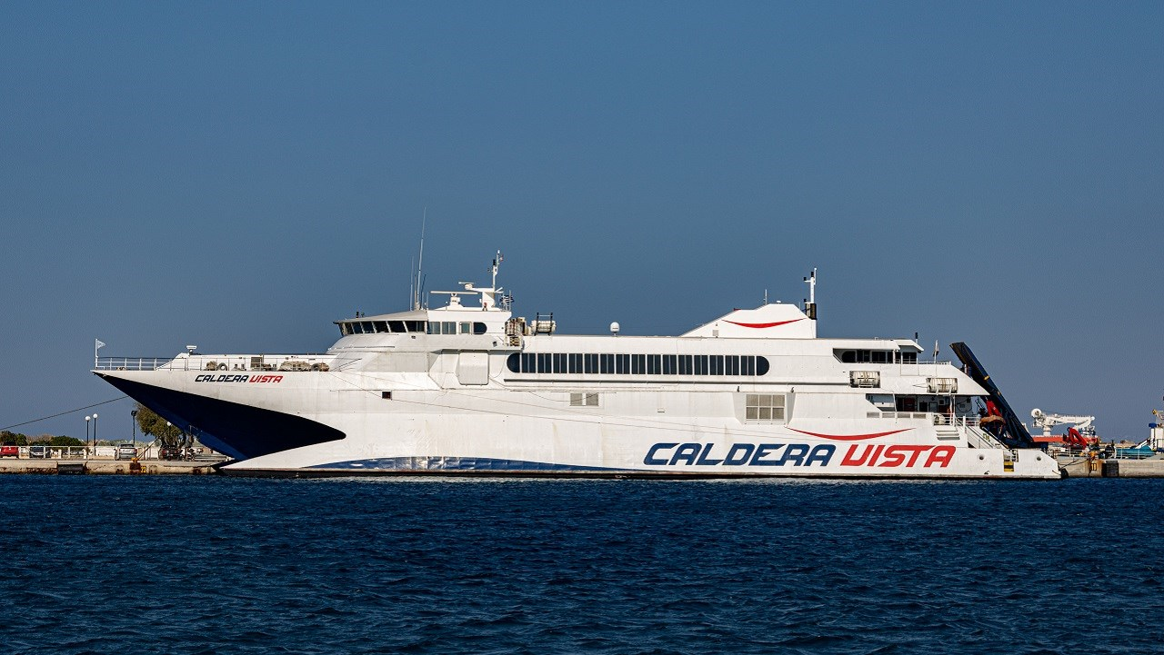 Επιστρέφει στα ενδοκυκλαδικά δρομολόγια το «Caldera Vista» της Seajets