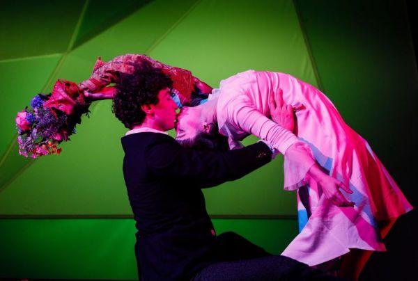 Διεθνείς παραστάσεις θεάτρου και χορού που θα δούμε online