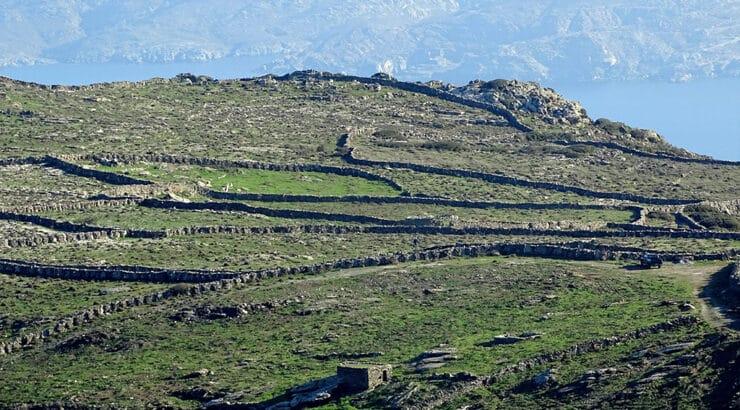 Φραγκάκι, ένας τόπος κεντημένος με ξερολιθιές