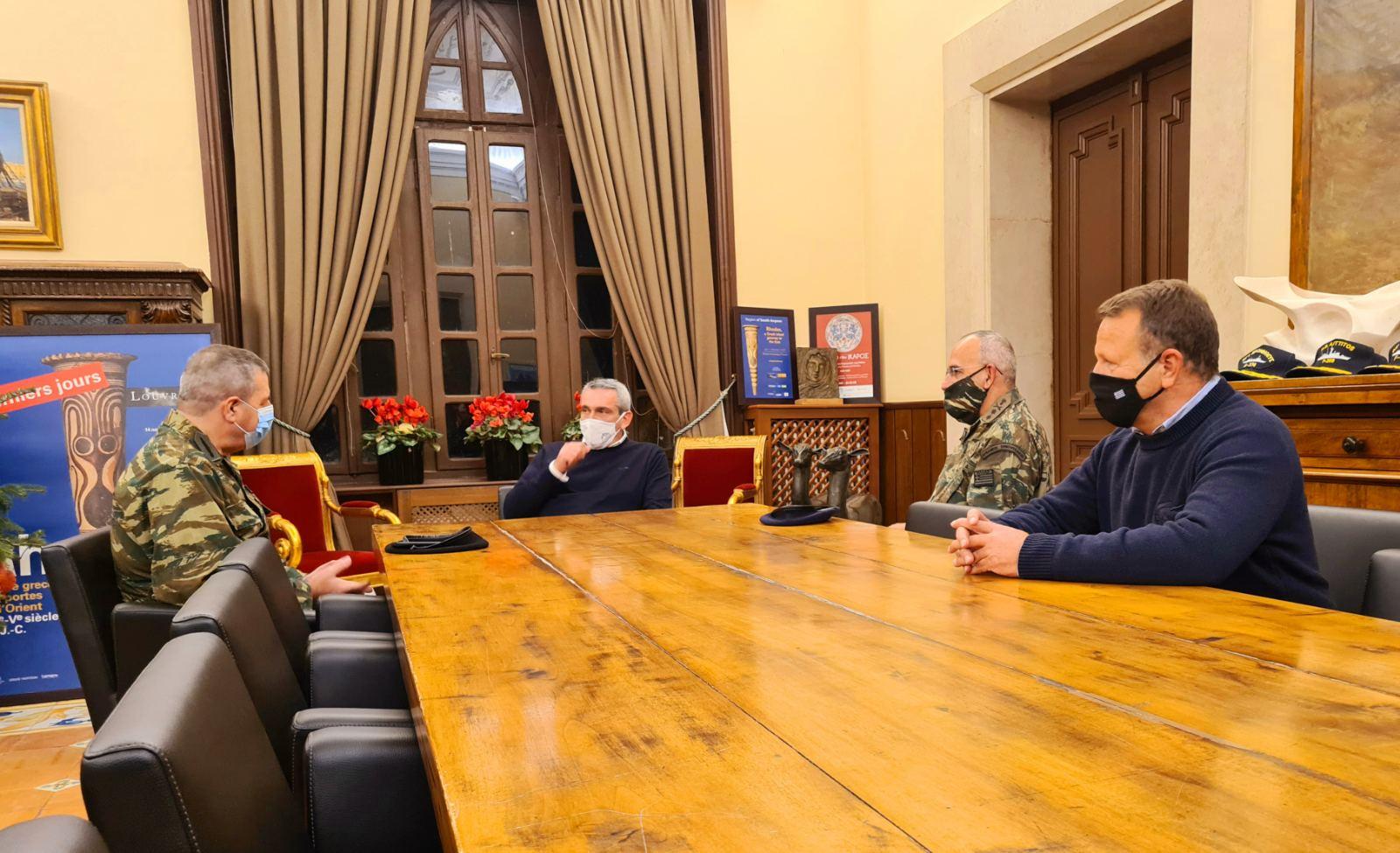 Συνάντηση του Περιφερειάρχη με τον Αρχηγό Γ.Ε.Σ. Αντιστράτηγο Χαράλαμπο Λαλούση
