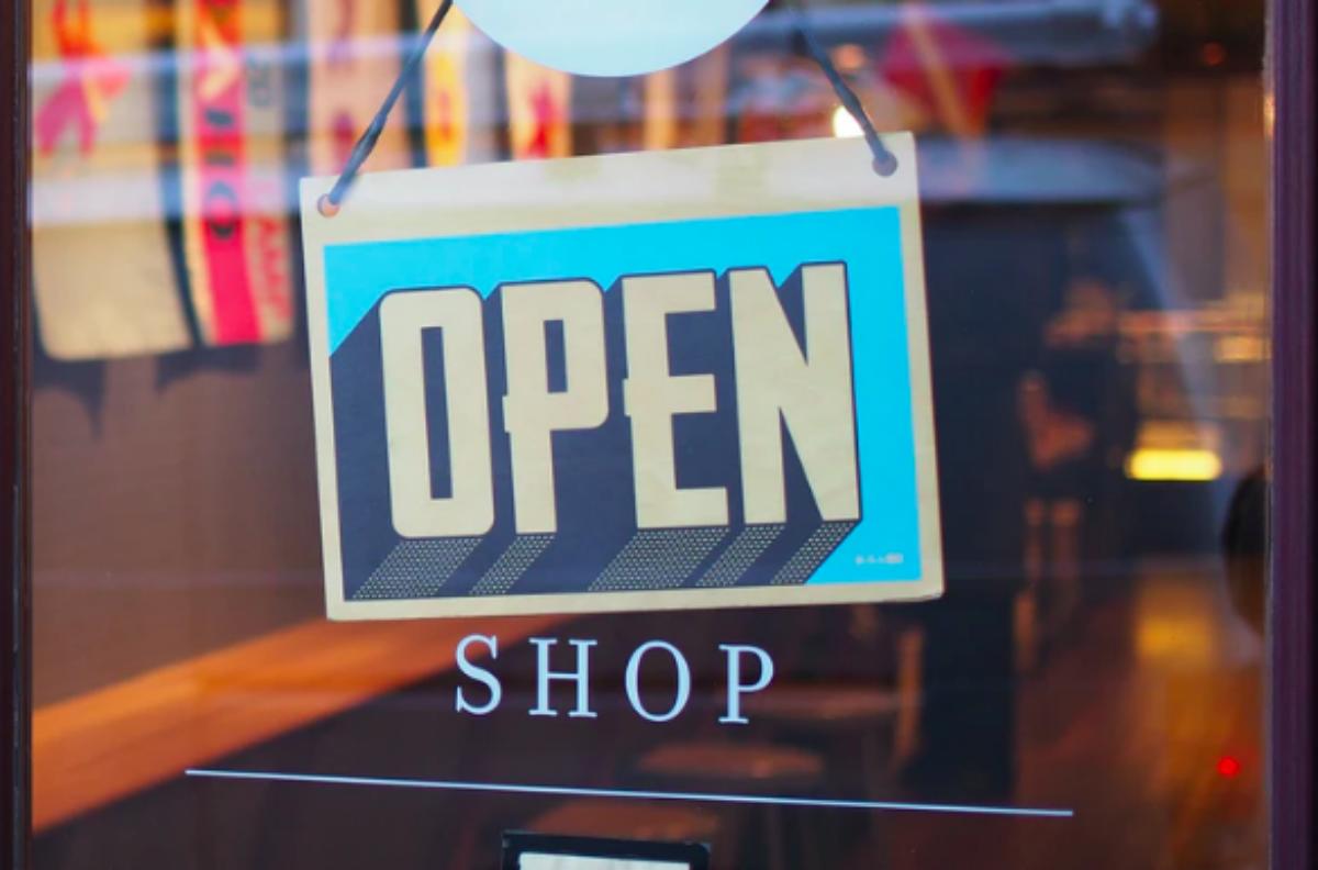 Τι αλλάζει στη ζωή μας από Δευτέρα – Πώς θα κάνουμε τα ψώνια μας