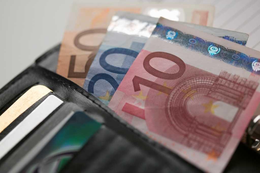 Ασφαλιστικές εισφορές: Νέα παράταση για επιχειρήσεις και ελεύθερους επαγγελματίες