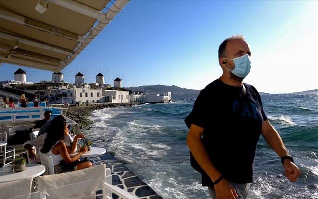 Πρόταση Μάνου Κόνσολα για το ασφαλές άνοιγμα του τουρισμού