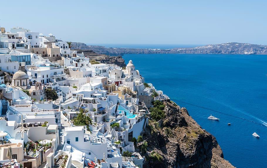 Ύμνος Daily Mail για τους εμβολιασμούς στην Ελλάδα: «Τα 60 covid-free νησιά δεν ήταν ποτέ πιο δελεαστικά»