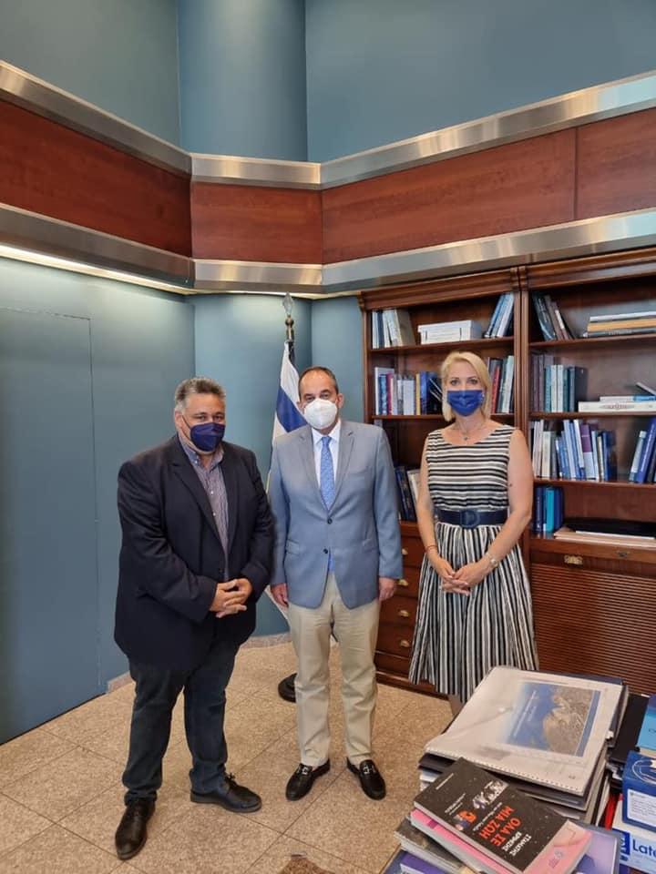 Συνάντηση Δημάρχου Άνδρου με τον Υπουργό Ναυτιλίας