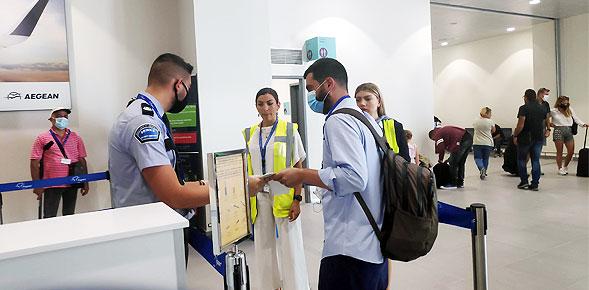 Στον ενάμιση μήνα από την εκκίνηση, οι επισκέπτες από το εξωτερικό σε Δωδεκάνησα και Κυκλάδες ξεπερνούν τις 300.000