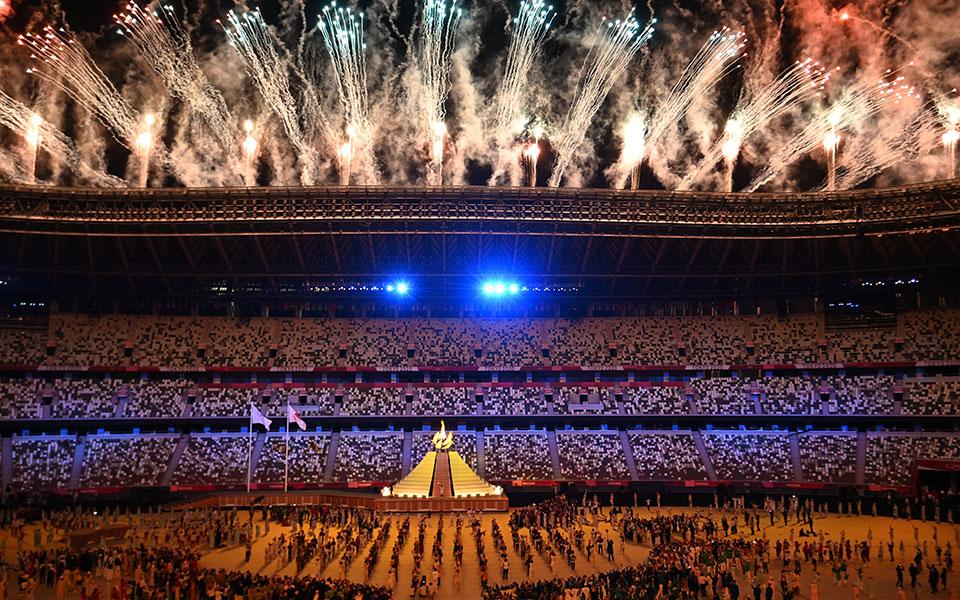 Ολυμπιακοί Αγώνες: Εντυπωσιακή τελετή σε άδειο γήπεδο